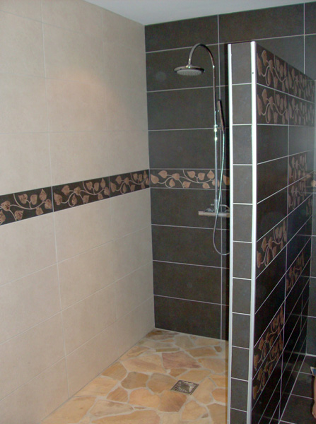 Installation d 39 une douche l 39 italienne paris 2 r nov 39 btp for Photo douche italienne carrelee